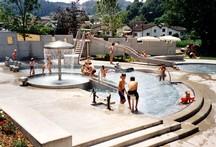 Planschbecken mit Wasserspielen